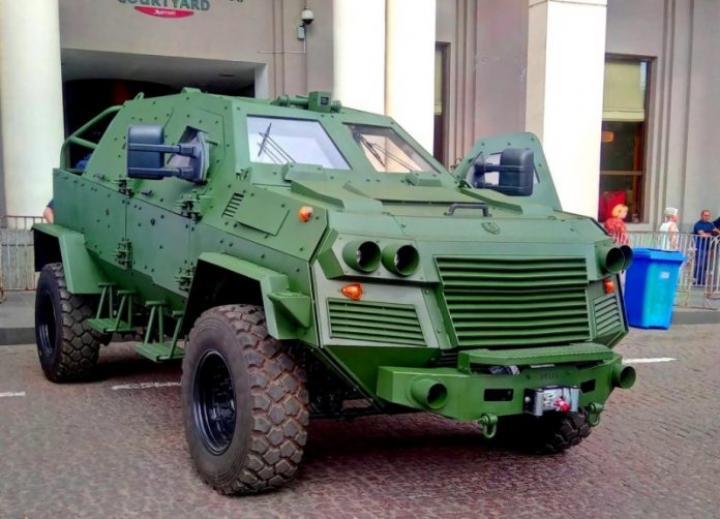 Грузины представили патрульный бронеавтомобиль (фото)