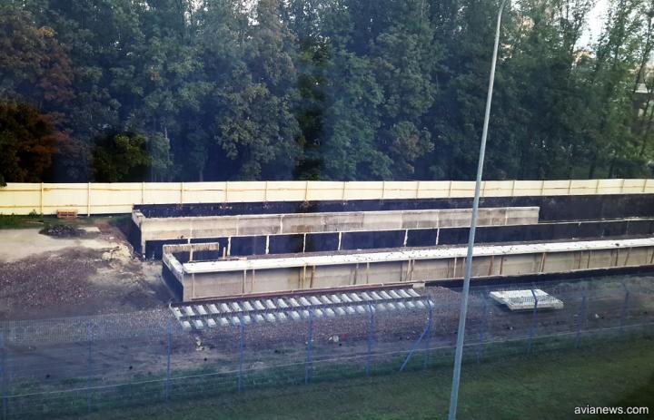 В Борисполе начали строить платформы для приема поездов из Киева (фото)