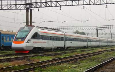 Укрзализныця введет билеты на несколько видов транспорта