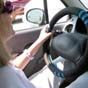 В Великобритании установят умные дорожные знаки, которые будут ловить водителей со смартфонами