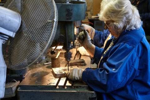 В Минсоцполитики пообещали сохранить выплаты работающим пенсионерам