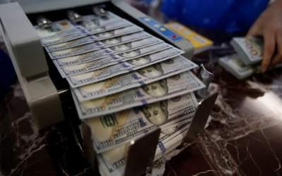 С начала года трудовые мигранты перевели в Украину $6,3 миллиарда