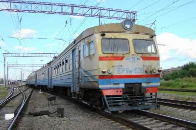 Укрзализныця заменит убыточные поезда автобусами