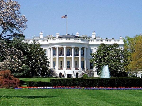 В агентстве Fitch назвали маловероятным введение санкций США на госдолг России