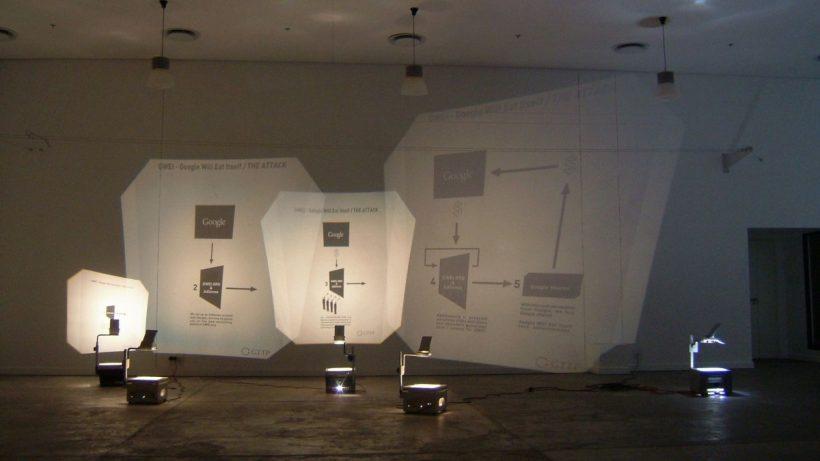 «Бешеные деньги»: российские художники переосмыслили майнинг и трейдинг в своих инсталляциях