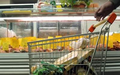 Стало известно, сколько украинцы тратят на еду