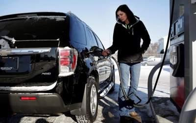 В Украине снизились цены на бензин