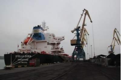 В порту «Южный» пришвартовался балкер с африканским углем