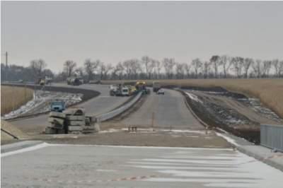 Укравтодор начнет строительство третьей бетонной дороги