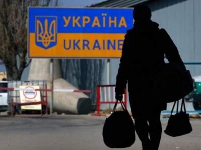 Заробитчане перевели в Украину 11 миллиардов долларов за год