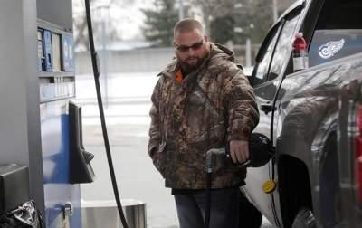 Украина третья с конца по доступности бензина