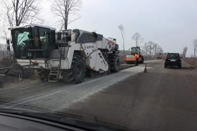 Омелян объявил начало эры бетонных дорог