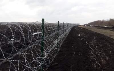 Названа сумма, потраченная на «Стену» на границе