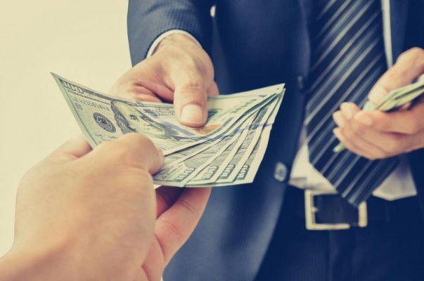 Специалисты, которые помогут вернуть долги